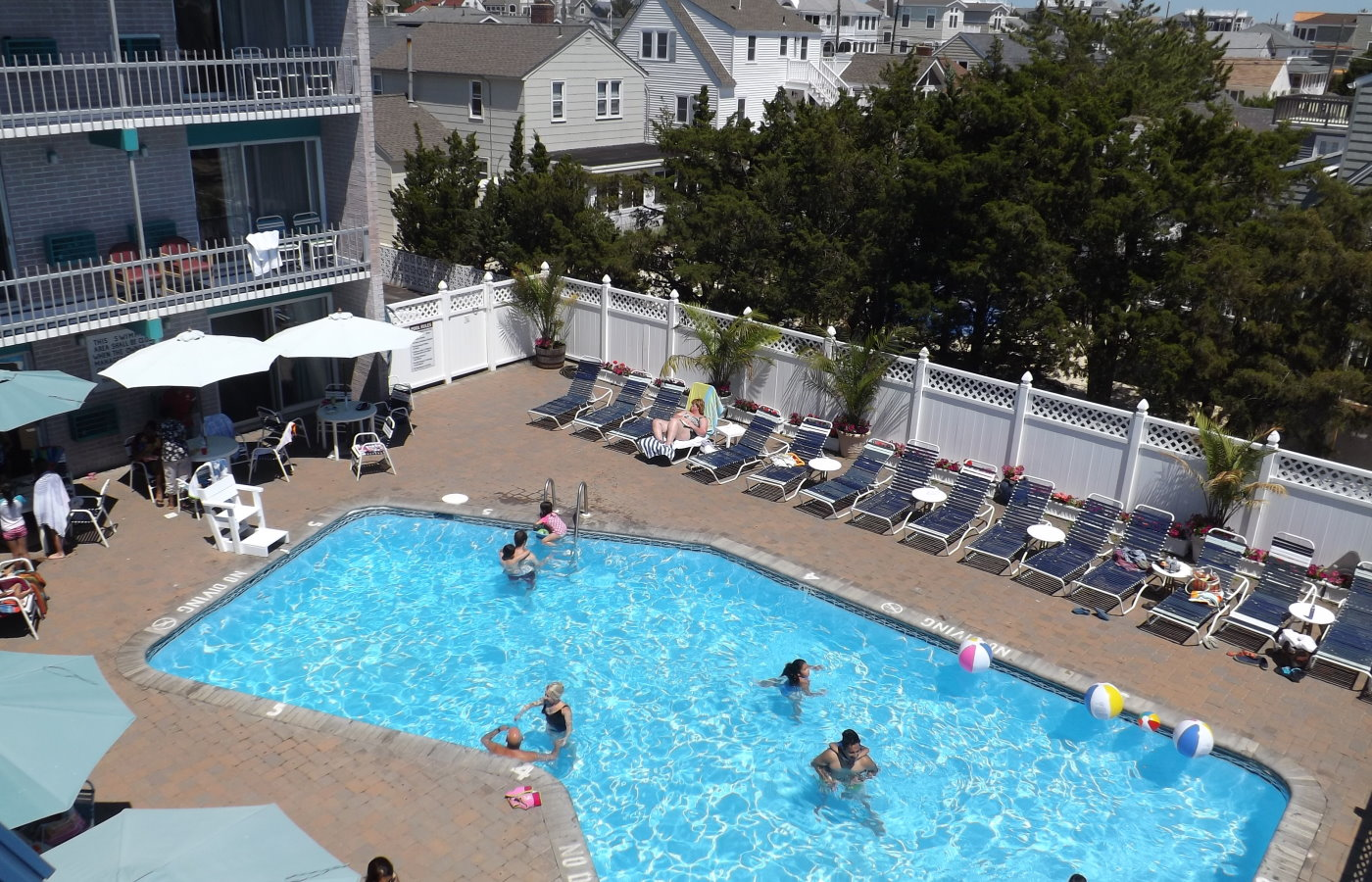 Mariner Inn Long Beach Island pool